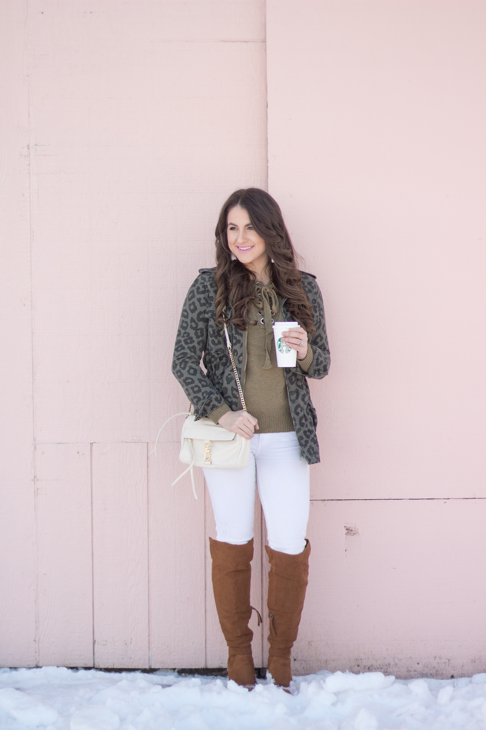 How to style a camo piece effortlessly in a chic look!