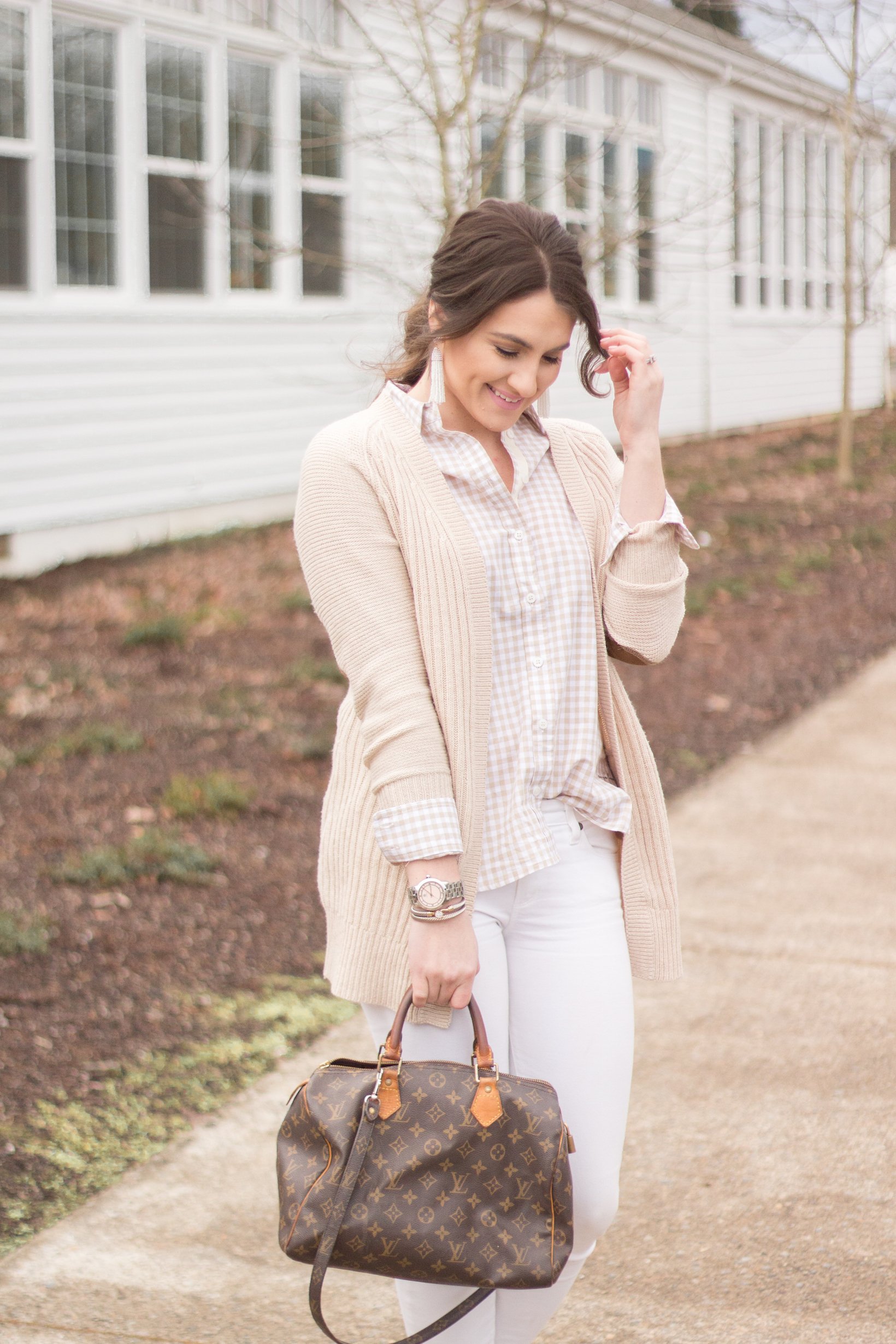 I'm sharing how to wear a button up 2 ways, dressy and casually.