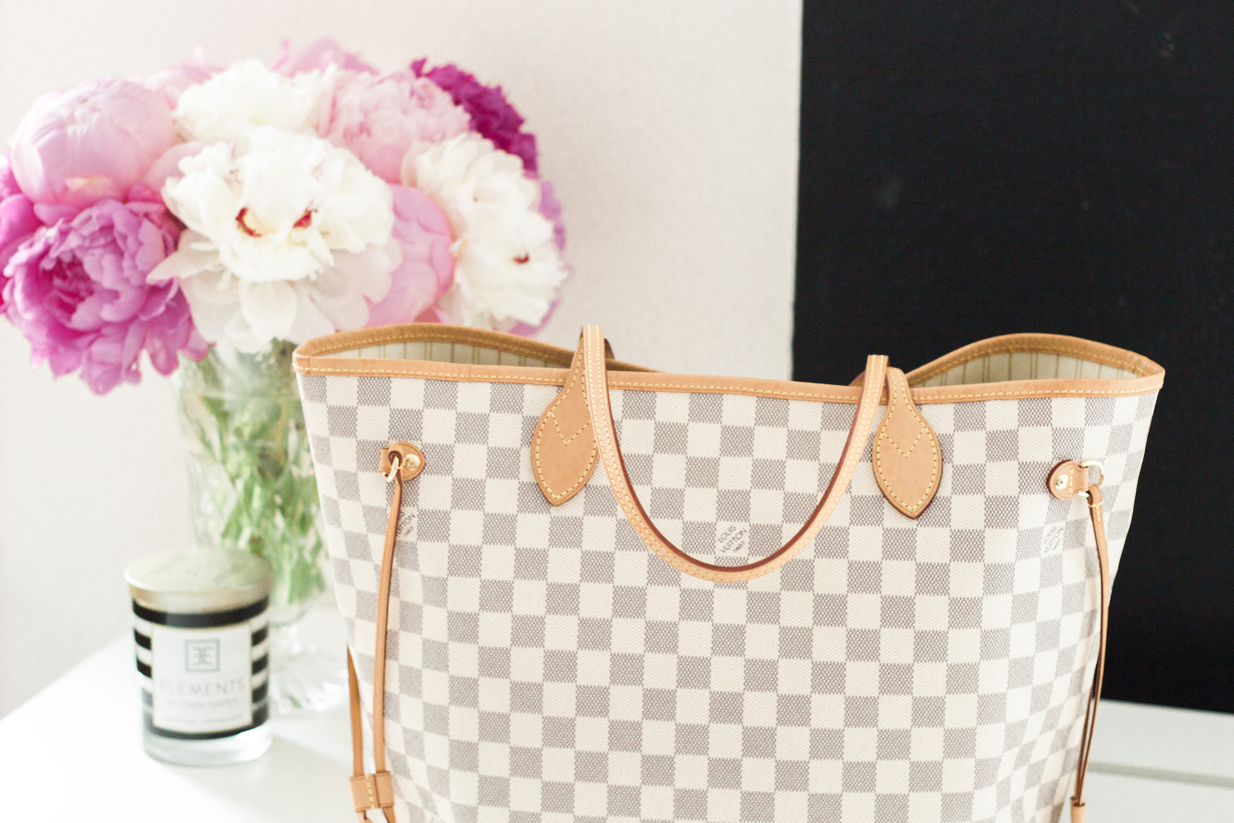 5d39b0d6a73f Ever wondered the difference between the Louis Vuitton Neverfull GM and MM   Portland Style and