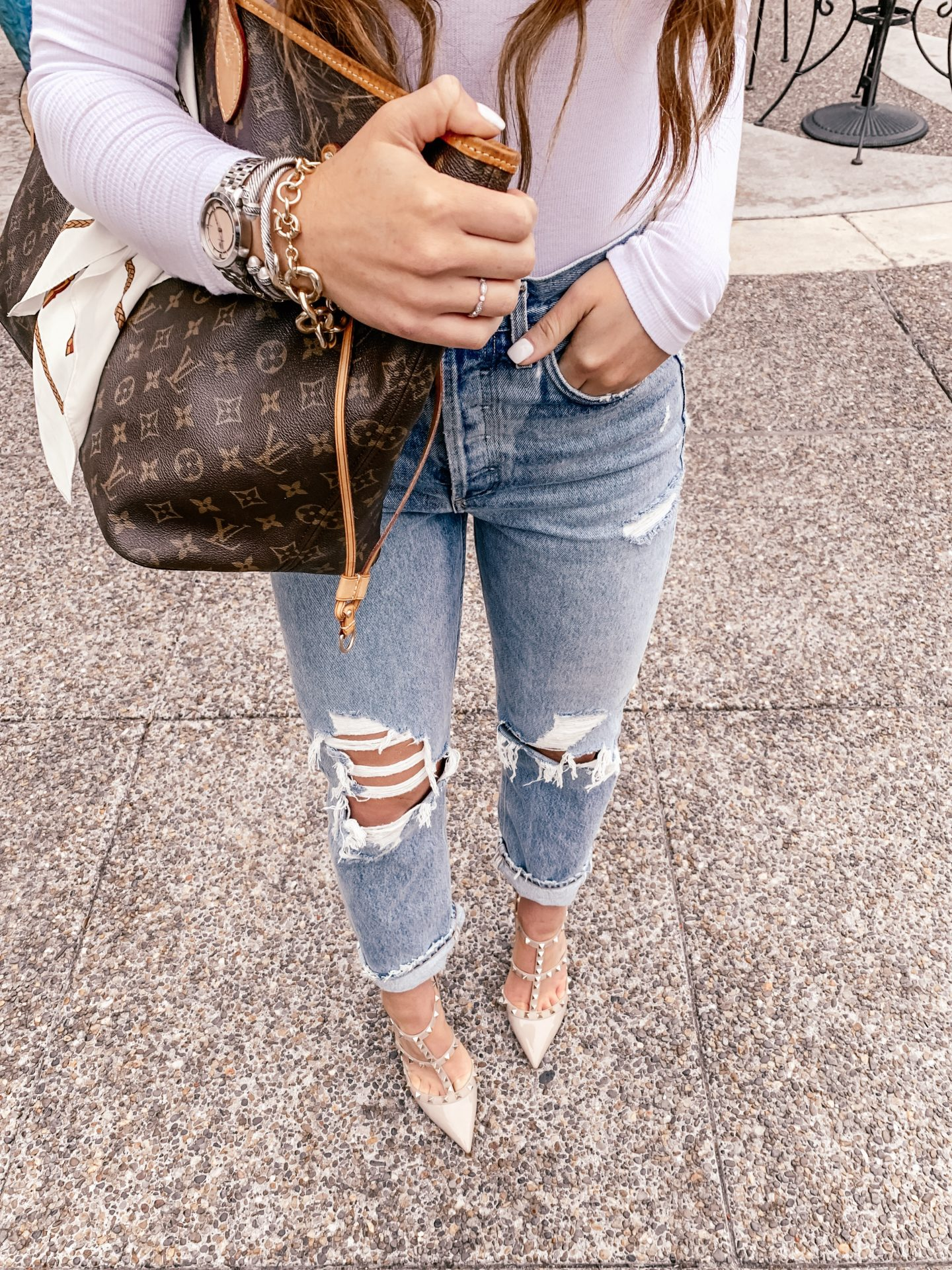Everyday Outfit The Best Boyfriend Jeans Topknots And Pearls